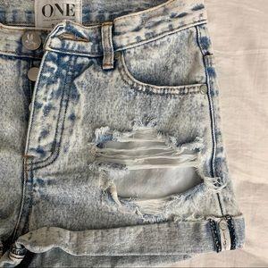 One Teaspoon Shorts - ONE by one teaspoon distressed denim shorts
